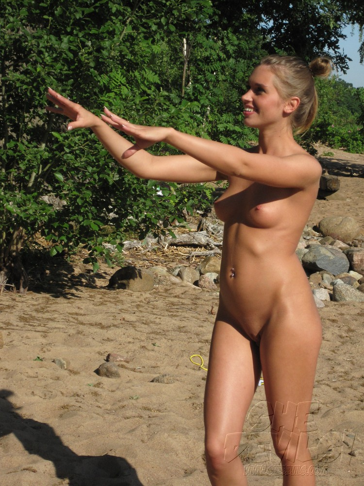 Wild hot girls naked